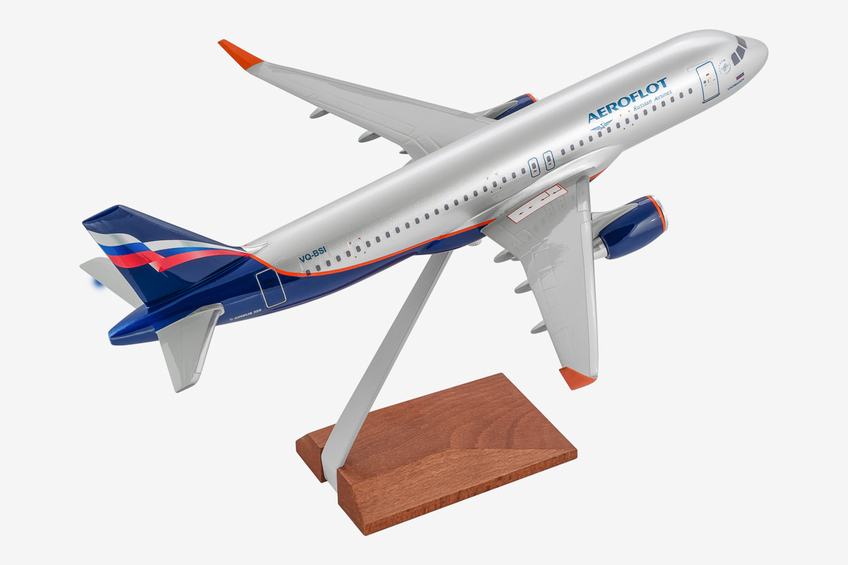 Airbus A320 Desktop Airplane Model