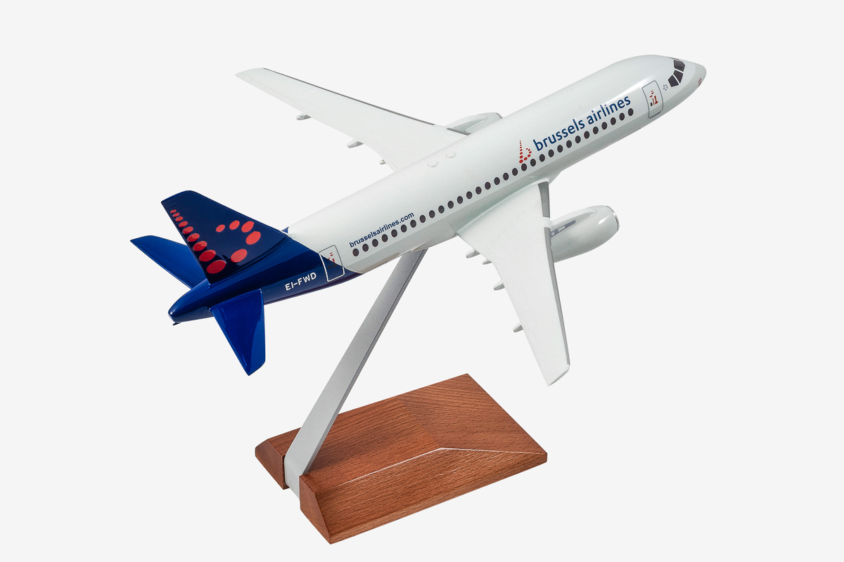 Brussels Airlines Superjet-100 desktop airplane model